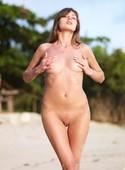 Angelica-Beach-Babe-%2804.05.2008%29-s6uh5ady3j.jpg